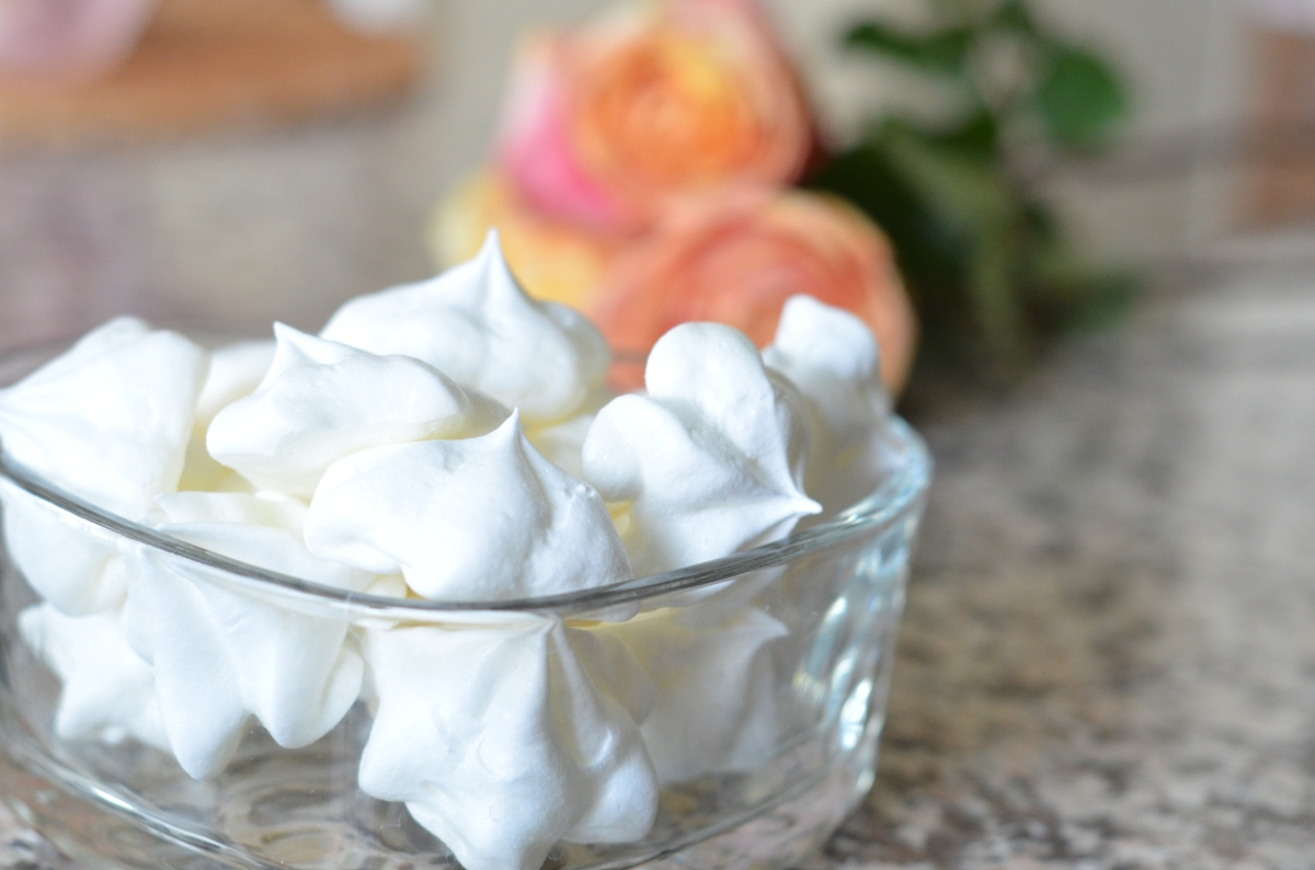 Easy Meringue Cookies